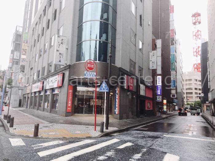 脱毛ラボ横浜店へのアクセス(俺のフレンチを右折