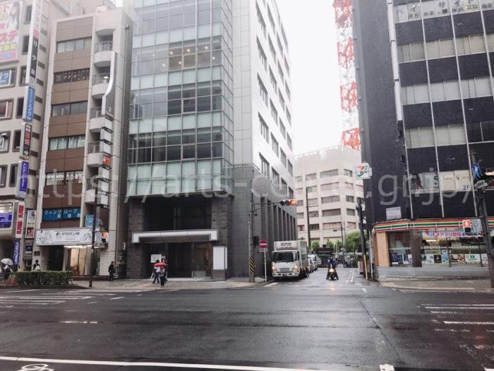 脱毛ラボ横浜店へのアクセス(大通りを左折