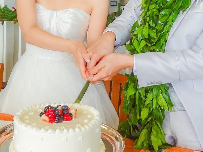 結婚式のケーキ入刀ではヒジ下、ヒジ上、指、手の甲を脱毛すべき