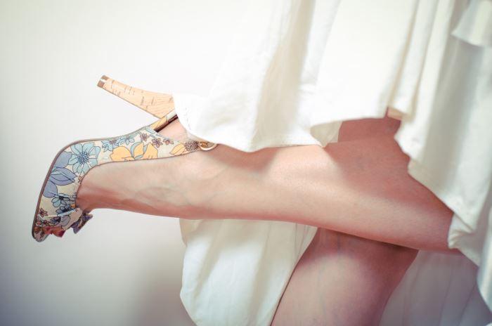 結婚式の二次会ではヒザ上下、足の指と甲を脱毛するべき